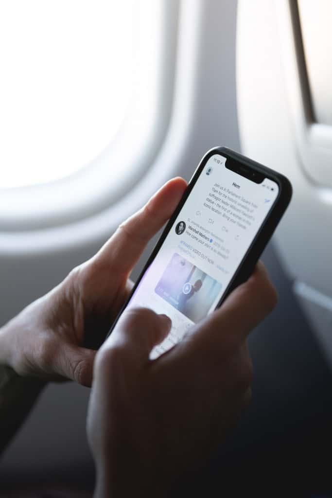 Twitter app on cellphone